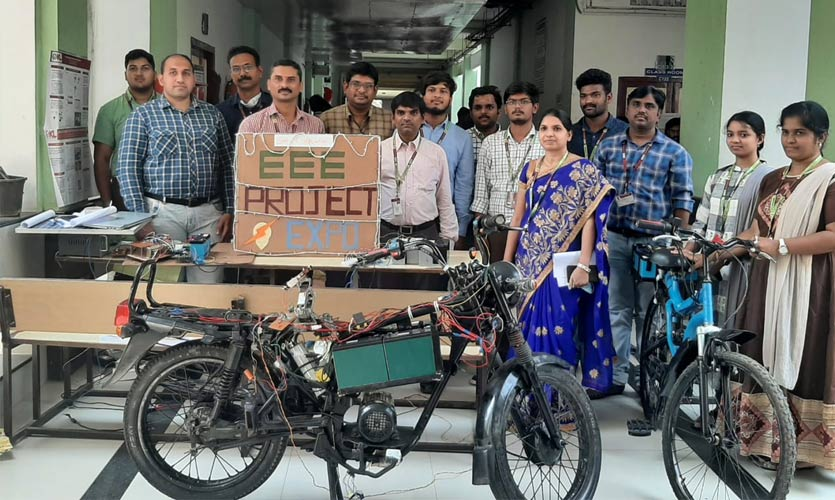 Hyderabad Engineering Students Develop A Wireless Charging E-Bike Prototype