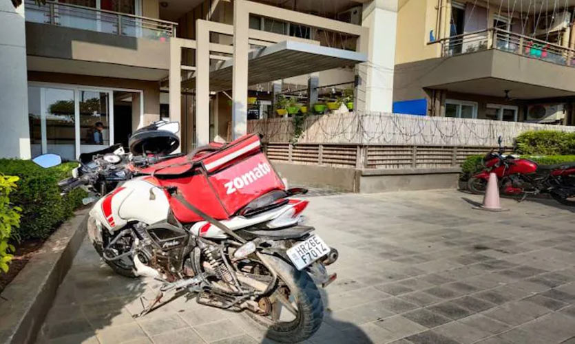 Zomato Aims To Have 10% Women Delivery Partners In 3 Cities By 2021